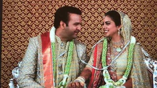 ईशा-आनंद शादी: सिनेमा, पॉलिटिक्स और कारोबार के ये दिग्गज हुए शामिल