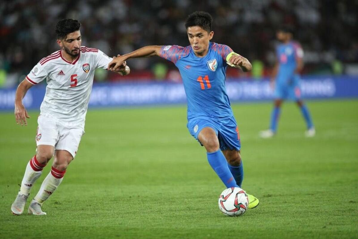 बहरीन के खिलाफ मैच में करिश्माई कप्तान सुनील छेत्री पूर्व कप्तान बाईचुंग भूटिया के देश के लिये सबसे ज्यादा 107 मैच खेलने के रिकार्ड की बराबरी कर लेंगे.