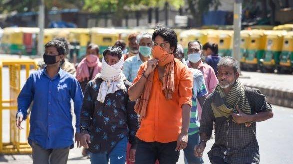 COVID 19 लॉकडाउनः 27 से 30 मार्च के बीच सड़क पर 20 मजदूरों की मौत