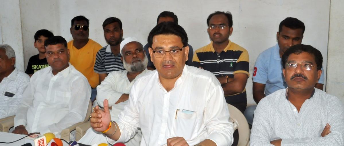 बुरहानपुरः जिलाध्यक्ष ने दिया विपक्ष के आरोपों का करारा जवाब