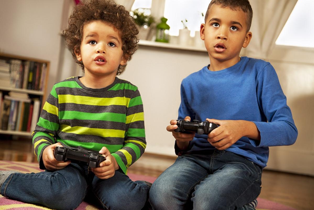 ऑनलाइन गेम्स की लत-बच्चों और समाज पर प्रभाव एवं पेरेंटिंग टिप्स
