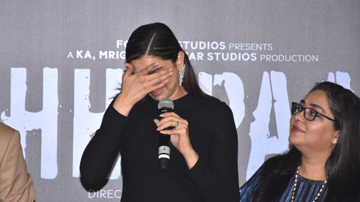 'छपाक' के ट्रेलर लॉन्च के दौरान भावुक हुई दीपिका, आमिर ने की तारीफ