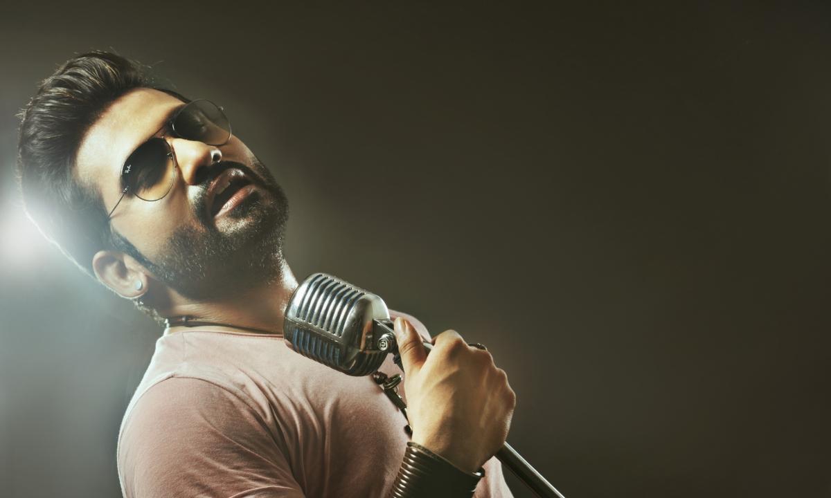 सलमान खान के लिए गाना चाहता हूं - हर्षित सक्सेना