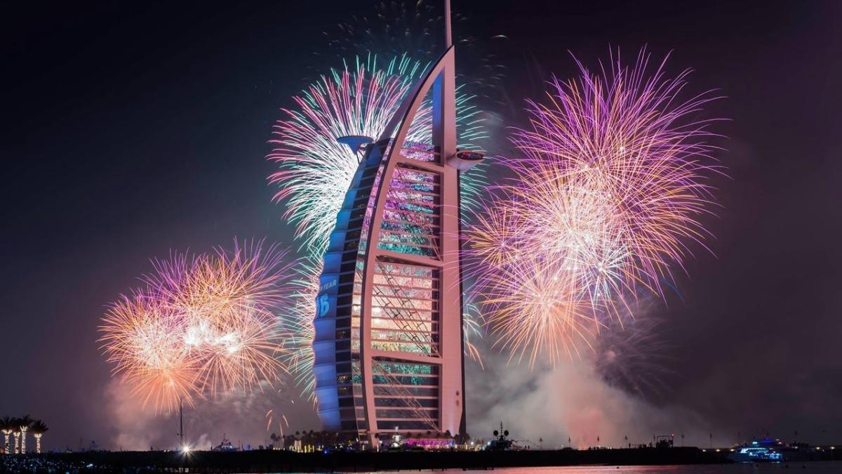 नए साल - 2020 का दुनिया भर में स्वागत किया गया