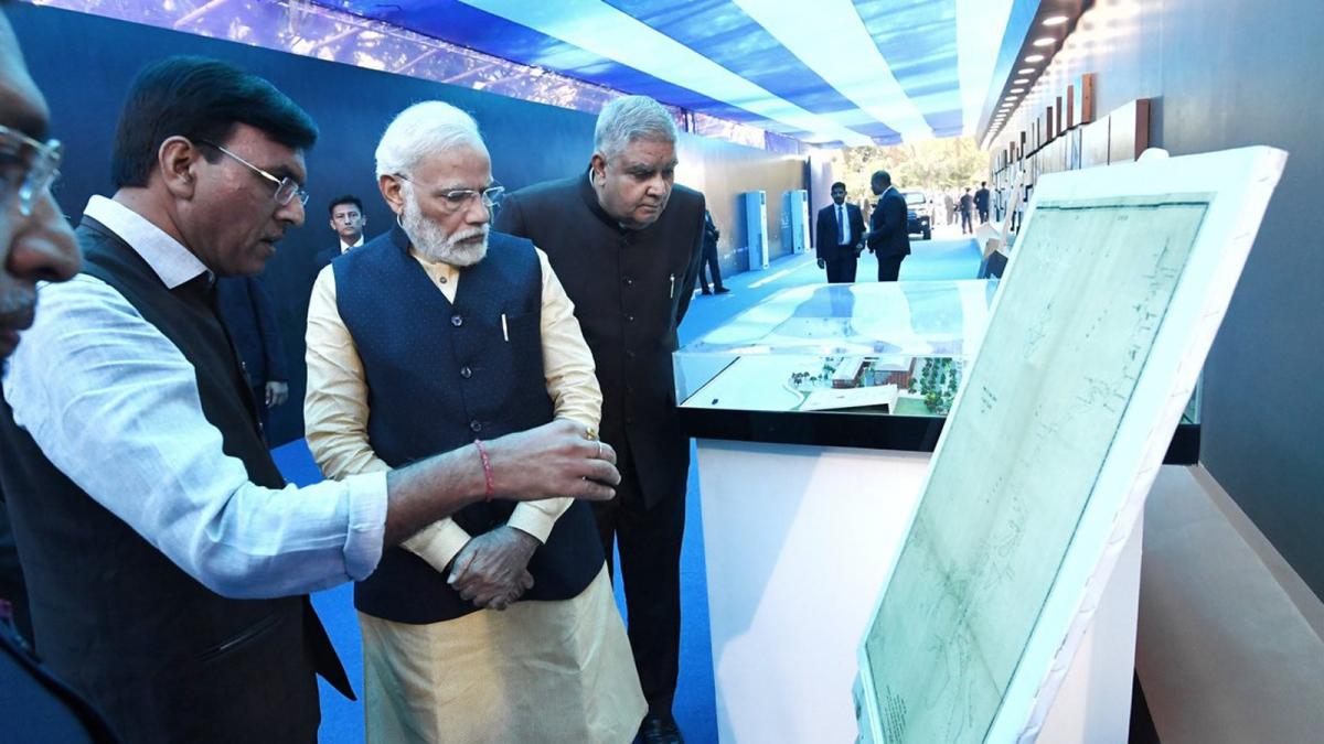 कोलकाता पोर्ट ट्रस्ट की 150वी वर्षगांठ पर पीएम ने पोर्ट को दिया नया नाम।