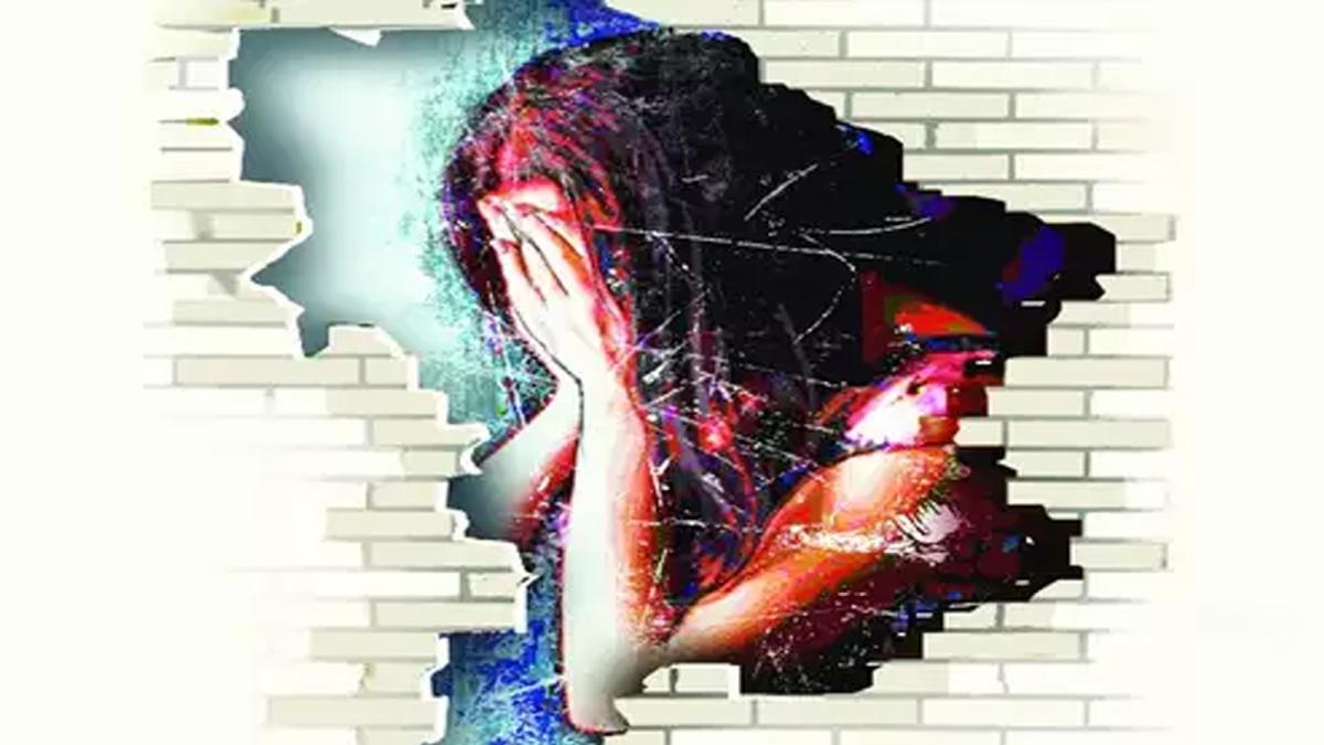 ऑटो चालक ने लड़की को लगाई गांजे की लत, कई बार किया घिनौना अपराध