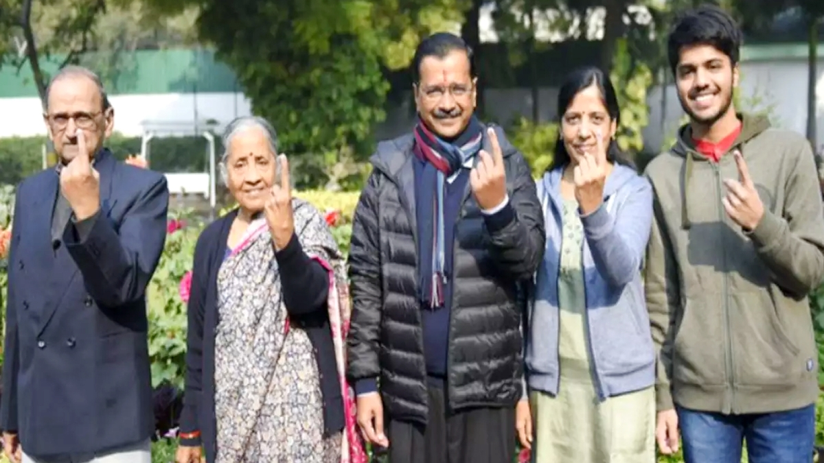 CM Arvind Kejriwal With Family