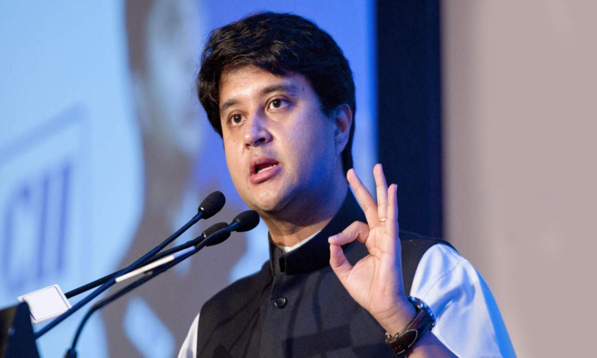 कांग्रेस के लिए सिंधिया का रुख सख्त: कमलनाथ सरकार को दी चेतावनी