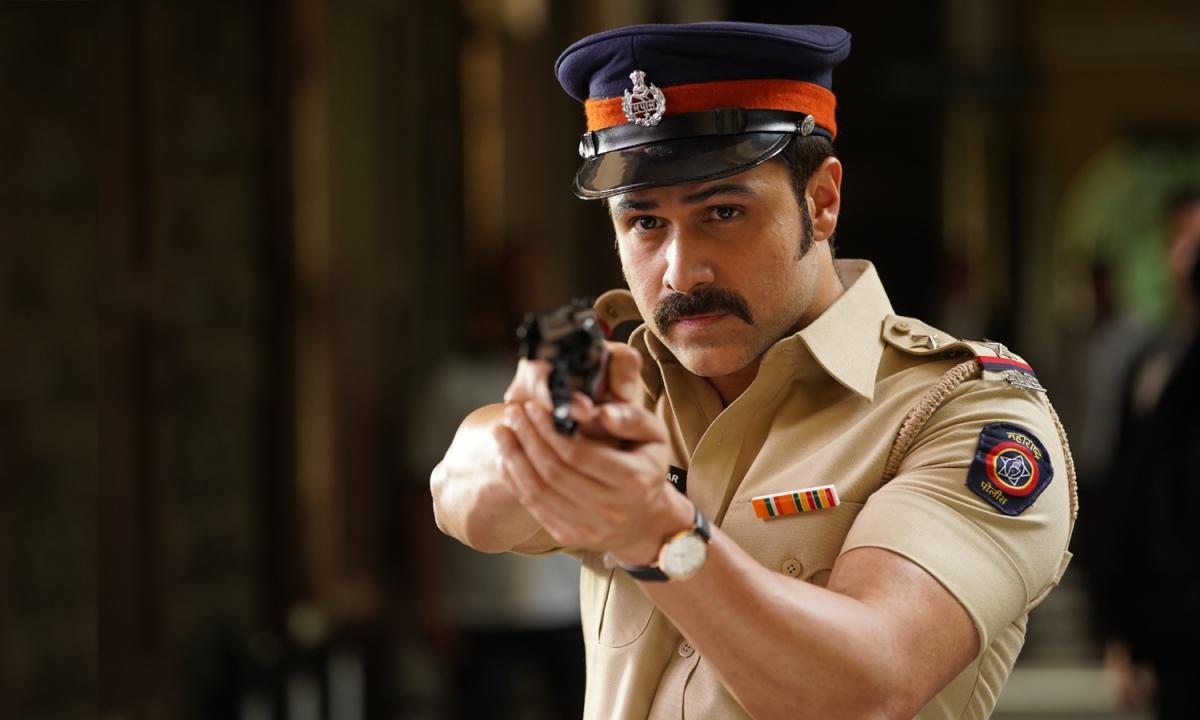 'मुंबई सागा' में पुलिस के किरदार में इमरान हाशमी, पहला लुक जारी