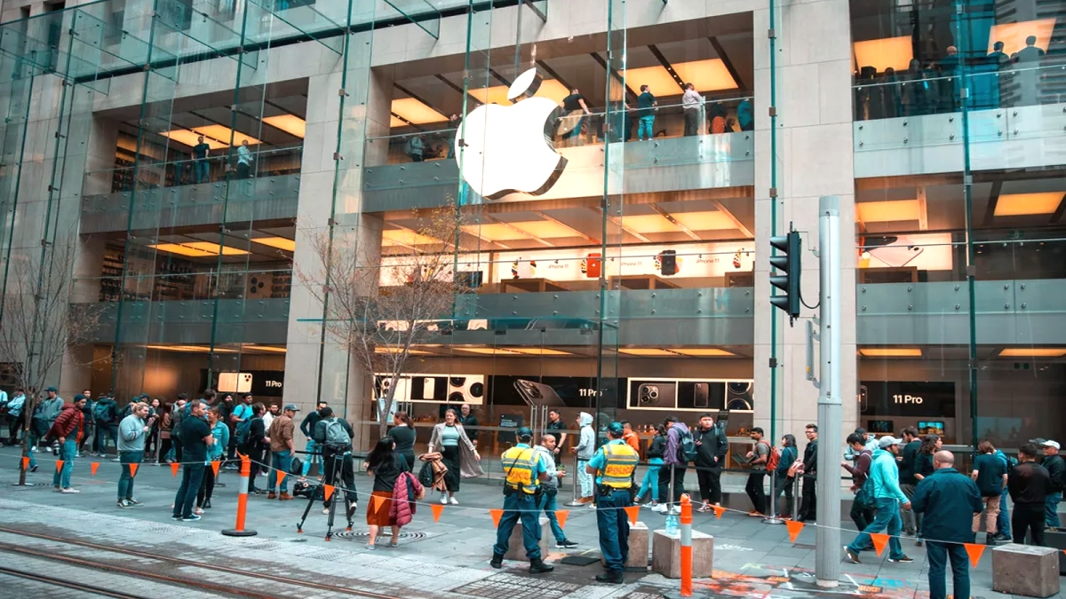 Apple took big decision related to iPhone sales