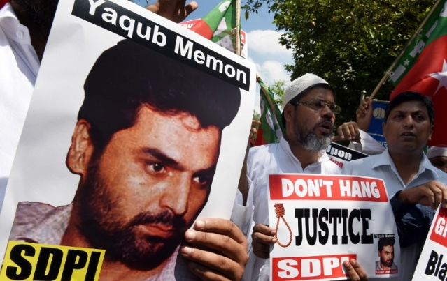 A demonstration against the death penalty to Memon. (Credits: AFP PHOTO / FILES / MONEY SHARMA)