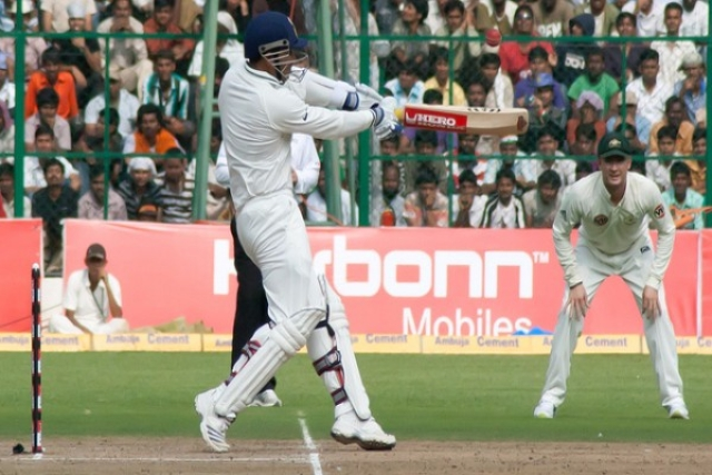 Virender Sehwag plays a hook shot (Pulkit Sinha/Flickr)