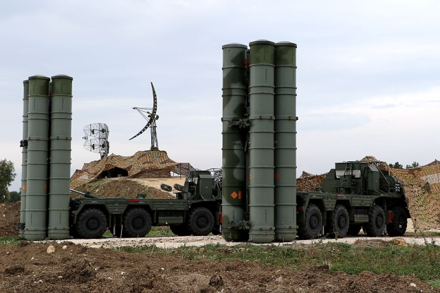 Russian S-400 Triumf missile  system  in Latakia. (PAUL GYPTEAU/AFP/Getty Images)