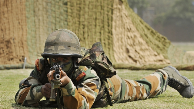 Indian Army Busts Pakistan's Plan: Intruders Armed With Explosives Neutralised At LoC Amid Heavy Fire From Other Side