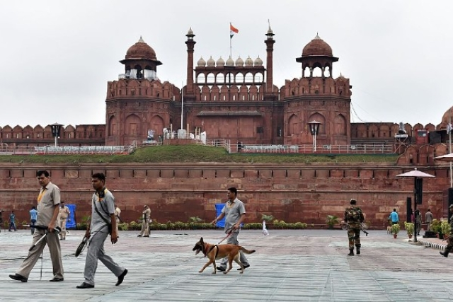 Two Suspected Terrorists Linked To ISIS Ideology Arrested Near Red Fort