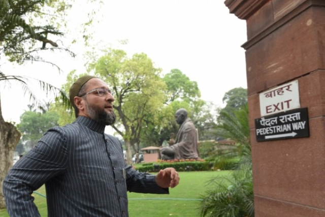 Shiv Sena Moves Delhi HC Demanding De-Registration Of Owaisi's Party, Says It 'Abuses Hindus'