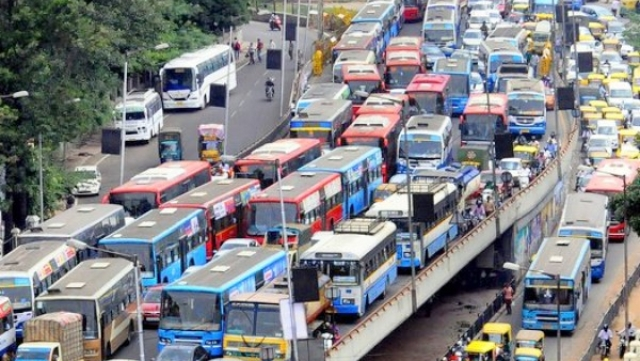 Indians Spend Over Two Hours Commuting To Work Daily; Chennai Travels Fastest, Mumbai And Bengaluru Slowest: Report