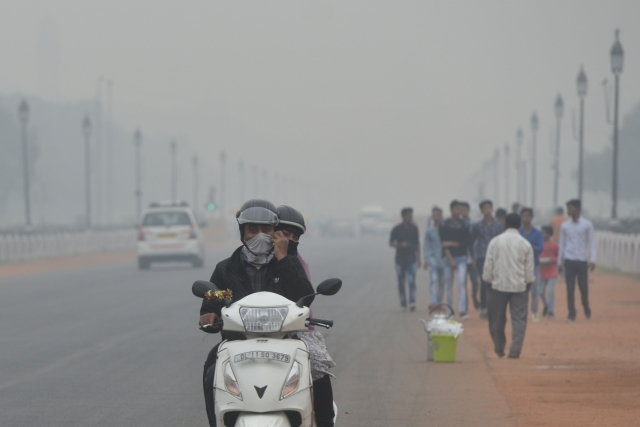Minister Announces Plan To Induce Artificial Rain As Delhi Continues To Choke On 'Very Poor' Air