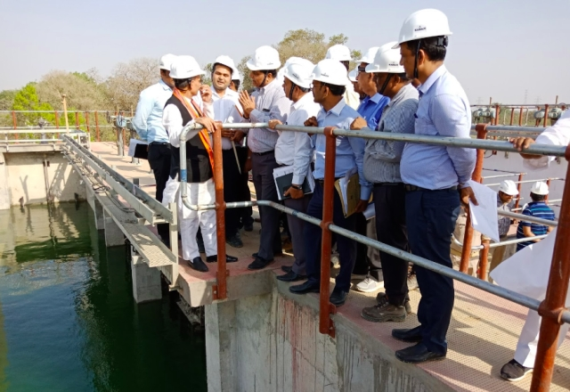 Dr Satya Pal Singh, Minister of State for Water Resources, River Development and Ganga Rejuvenation, inspecting the Dinapur STP.
