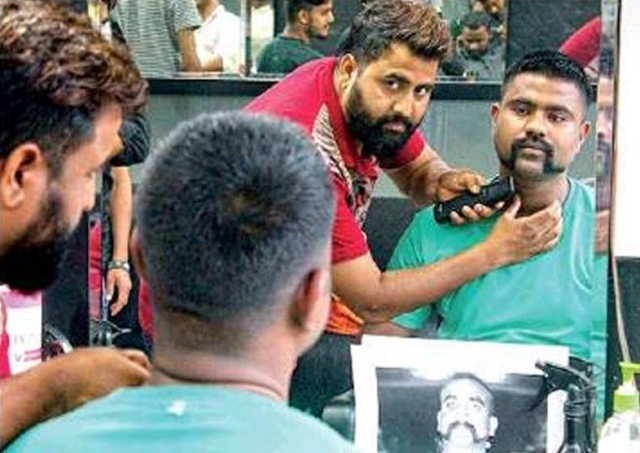 650 Men Get Abhinandan-Style Moustaches For Free: Bengaluru Hairdresser Says It's His 'Small Gesture' For Patriotism