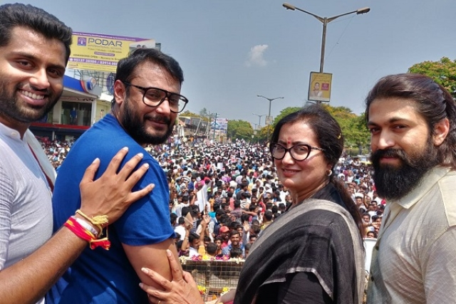 Sumalatha got the full support of the film fraternity during her campaign (@SumalathaA/Twitter)