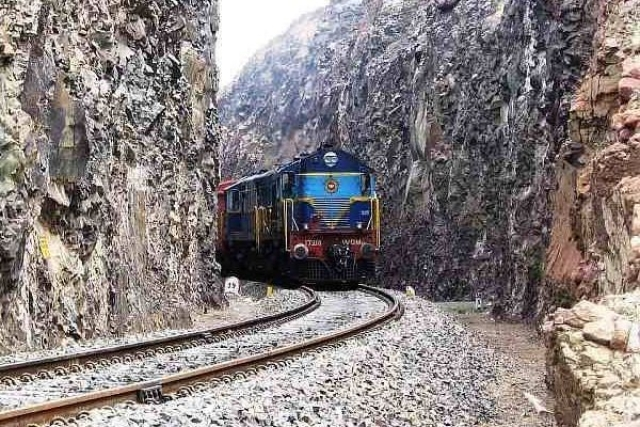 Indian Railways' Central Zone To Adopt LIDAR Technology To Detect Track Fractures And Faults In Minutes