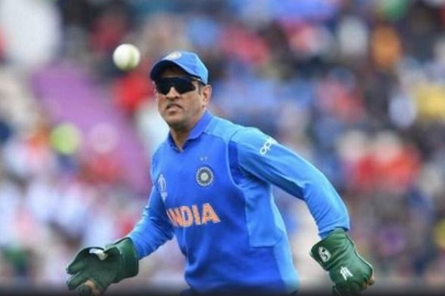ICC Puts Its Foot Down, Refuses Permission To Dhoni For Wearing Gloves With Balidaan Badge