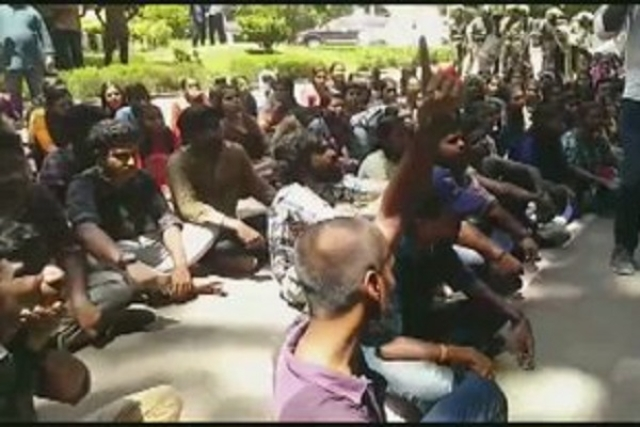Massive Protests Rock Thiruvanathapuram's University College After SFI Members Stab Student On Campus