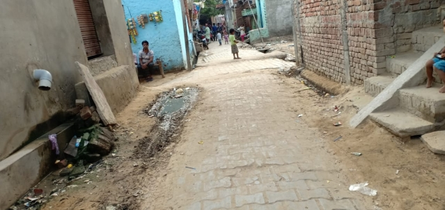 The street in which Dilsher Khan lives.