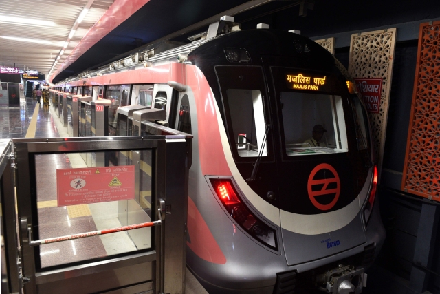 Delhi Metro Resumes Operations On Blue, Pink Lines After 171 Days