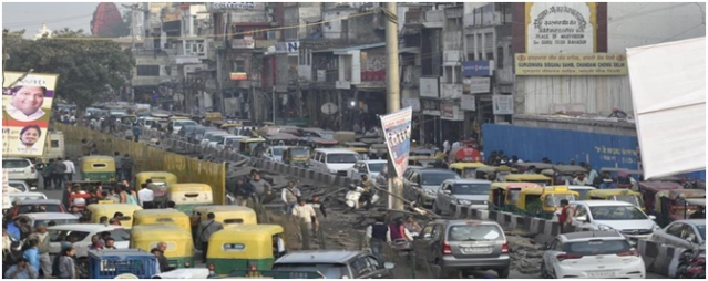 Chandni Chowk: From urban chaos (above) to how it may look after redevelopment (a digital rendering, below)