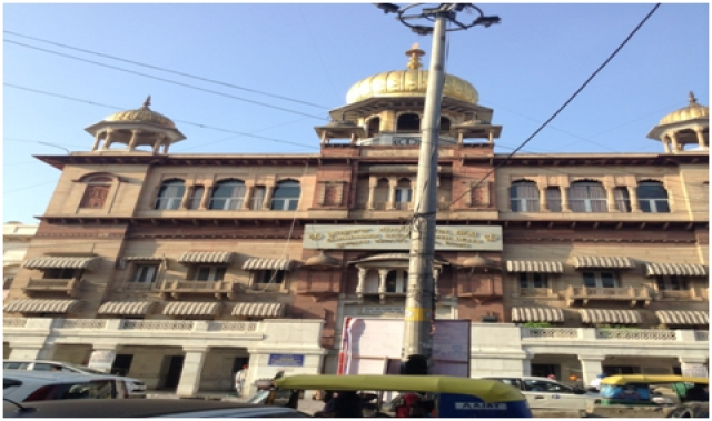 Present day Sis Ganj Sahib Gurudwara, constructed in this form in 1930s.