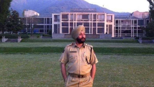Arrested J&K DSP Davinder Singh Reveals He Received Rs 12 Lakh For Ferrying Hizbul Terrorists