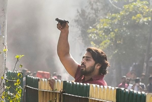 Man Who Opened Fire On Delhi Police During Anti-CAA Protest Identified As Shahrukh, Detained By Cops