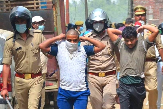 Moradabad: 17, Including Seven Women, Arrested For Pelting Stones On Health Workers, Sent To Judicial Custody After 3 AM Hearing