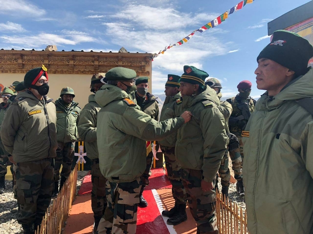 Army Chief Naravane Visits Forward Locations In Eastern Ladakh, Reviews Operational Preparedness