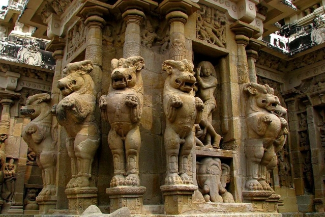 Seven Thousand Wonders Of India: An Artistic Pilgrimage Of India's Lesser Known Temples-Part I
