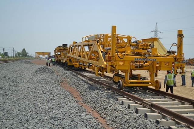 Mechanised Track Laying Speeds Up Dedicated Freight Corridor Project