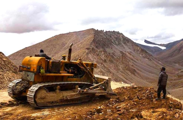 Ladakh: Road Construction  Continues Amid Tensions With China; DS-DBO Road To Be Ready By October End, More Projects Underway In Demchok, Kargil