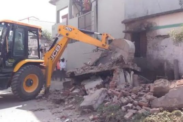 After High Court Orders, Dehradun Municipal Corporation Cracks Down On Faulting Structures And Past Offenders
