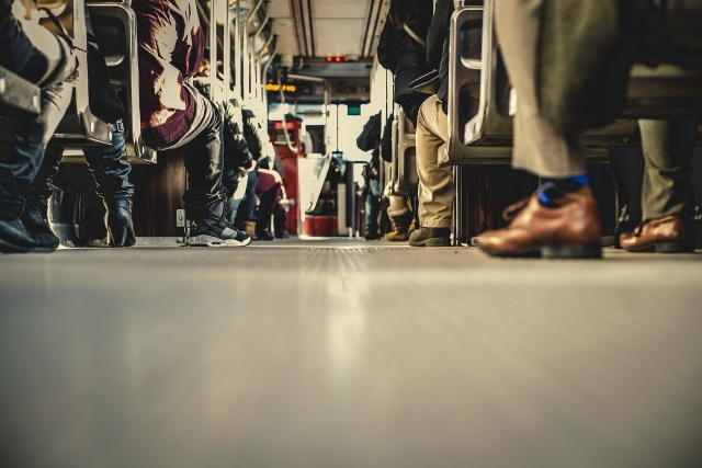 Who Has Time For It? Commuting In The Age Of Attention Economy