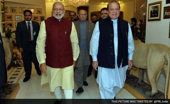 Modi's Lahore Trip: Good Move, But Keep The Powder Dry