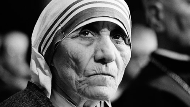 "Mother Teresa's ""Miracles"" Pose No Problems For Left, But Ghar Wapsi Does"