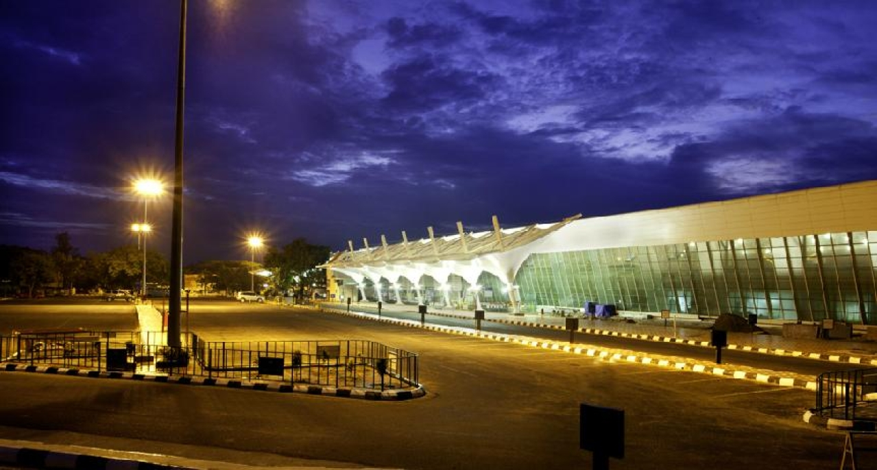 (The Coimbatore airport terminal building)