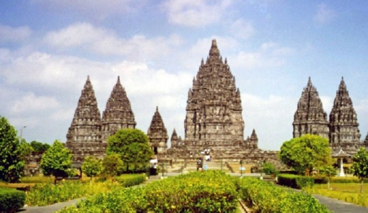 Central Java : Epitome of Dharmic Architecture in South-East Asia