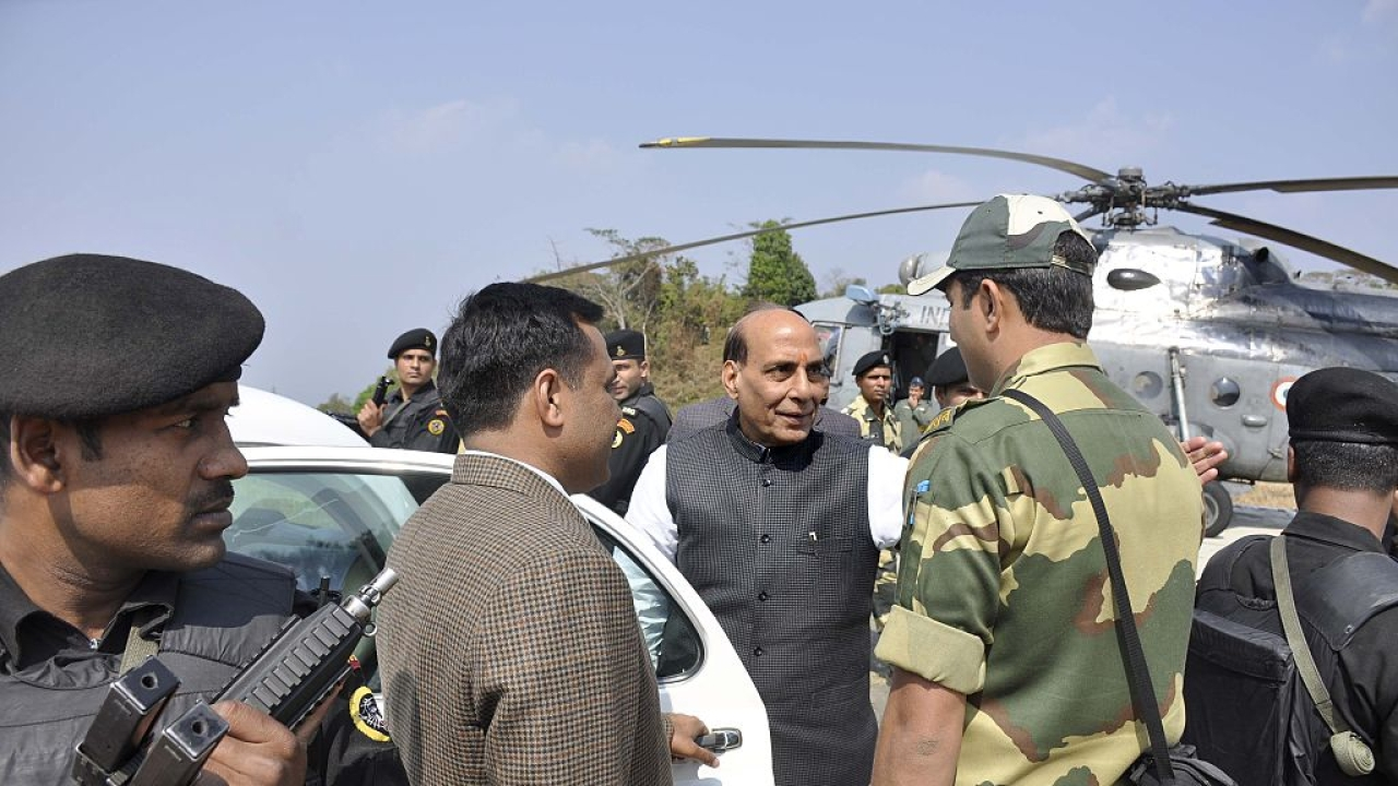 Accompanied By Gen Bipin Rawat, Defence Minister Rajnath Singh Heading To Siachen Glacier To Review Security Situation