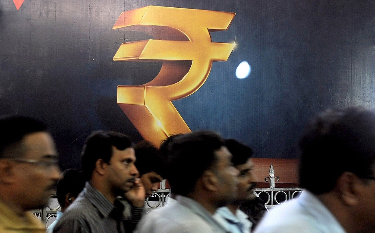 India rupee GDP (INDRANIL MUKHERJEE/AFP/Getty Images)
