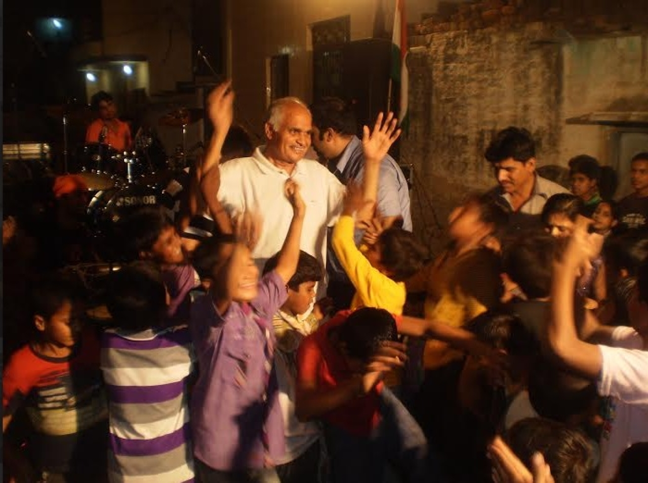 Nahar Singh With Pak Hindu Children.