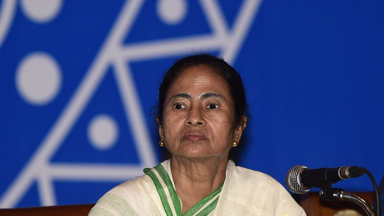 Mamata Banerjee Alleges BJP and Modi Government Is Plotting To Turn West Bengal Into Gujarat