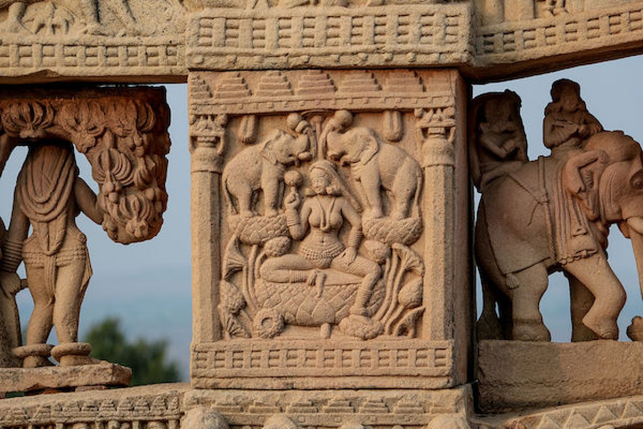 Carvings on the rear side of North Torana, Sanchi, India/Bernard Gagnon/Wikimedia Commons